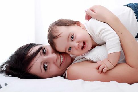 maman et bébé photographe grenoble et Rhône-alpes