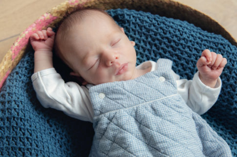 Grenoble photographe séance nouveau-né bon cadeau